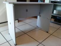 Mesa diagonal fundo